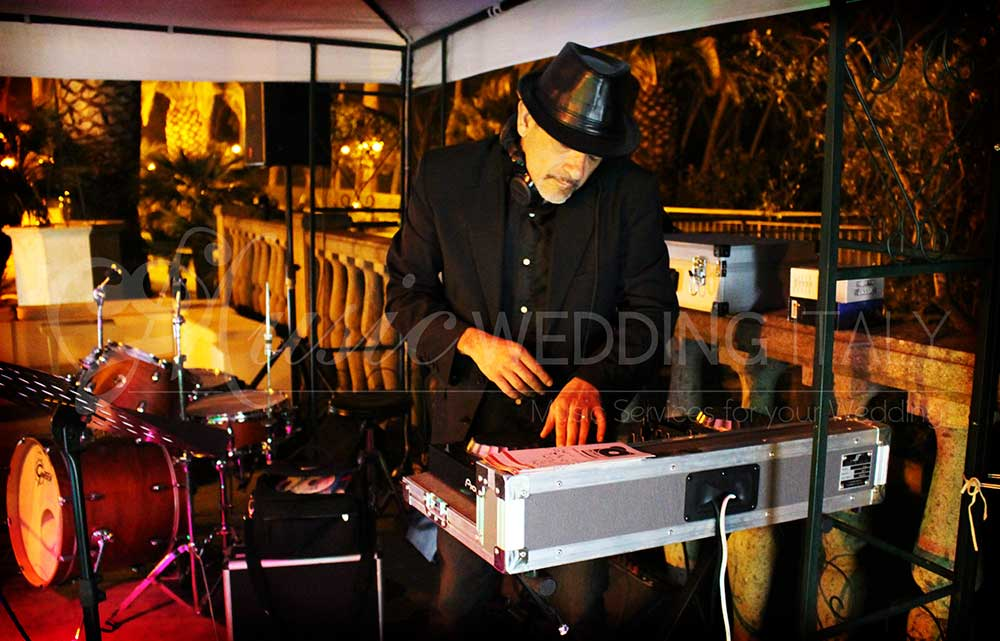 DJ sets weddings and corporate events, music services in Italy for private party with Romadjpianobar