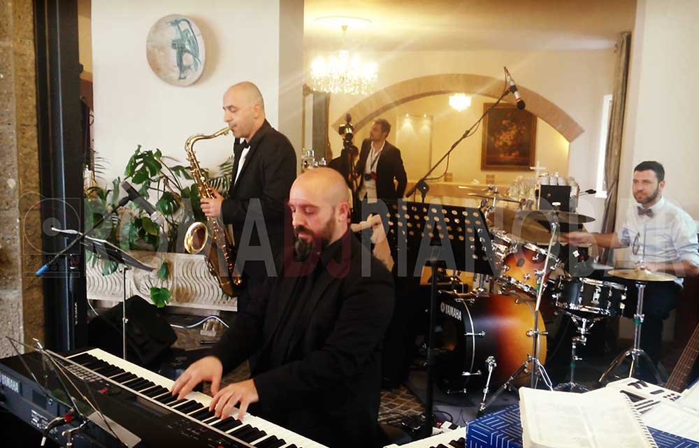 Livemusic jazz wedding and events in Italy: Romadjpianobar music services