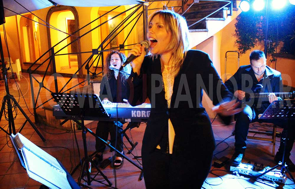 Live music for wedding in Italy with Romadjpianobar agency