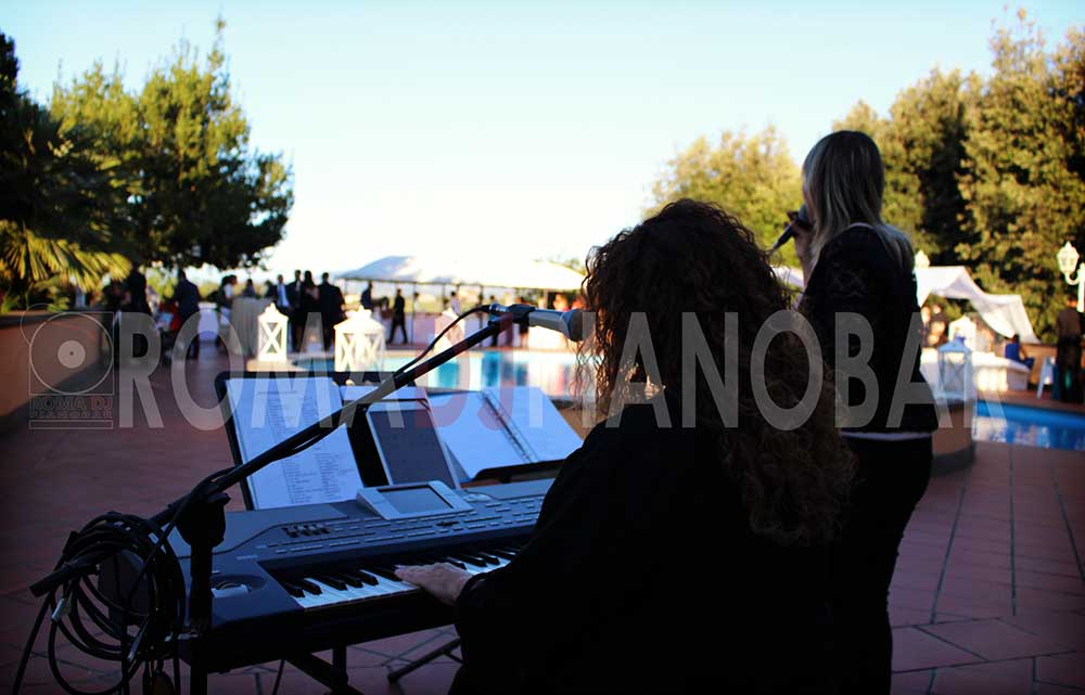 Live entertainment music for wedding pianobar in Rome Italy, by Romadjpianobar wedding services